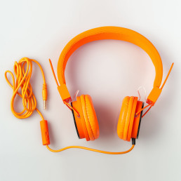 earphones-orange